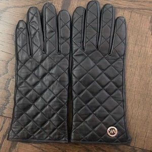 Michael kors leather gloves size small